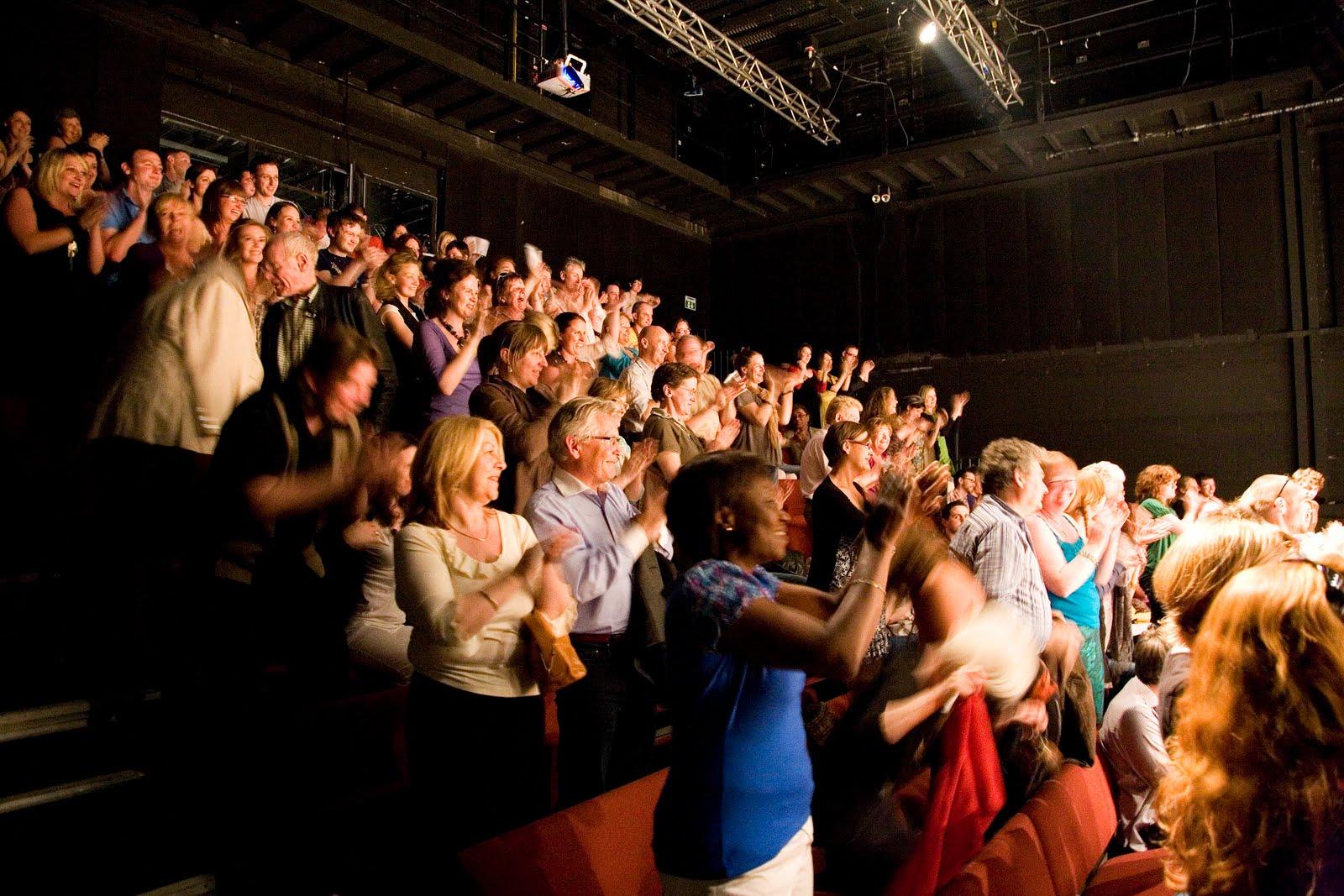standing-ovation